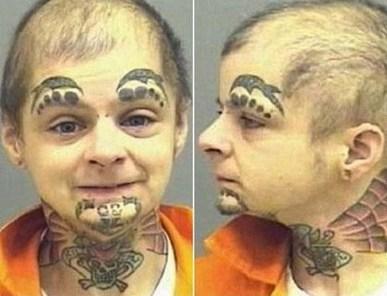 Strašidelné fotografie amerických vězňů a feťáků (pro silné žaludky)